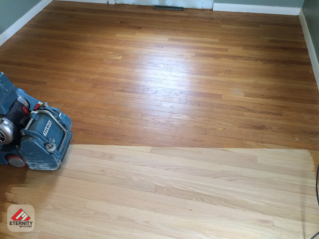 You Can Salvage That Old Worn Out Hardwood Floor To Look New Again Today Call Or E Mail Book Your Refinishing
